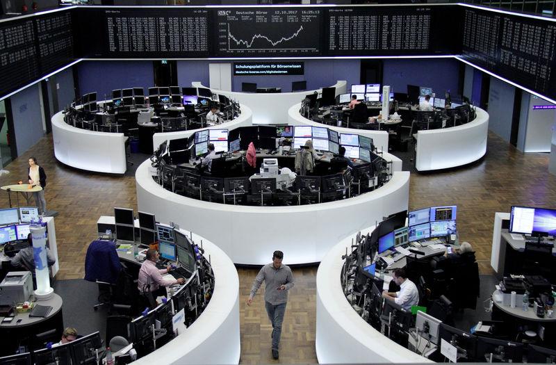 © Reuters. المؤشر داكس الألماني يسجل مستوى قياسيا جديدا متجاوزا حاجز 13 ألف نقطة