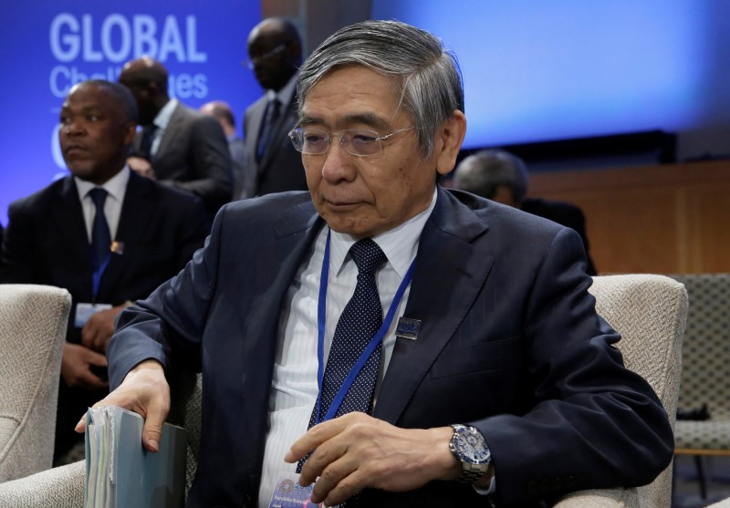 © Reuters. Governor of the Bank of Japan Haruhiko Kuroda attends IMFC plenary