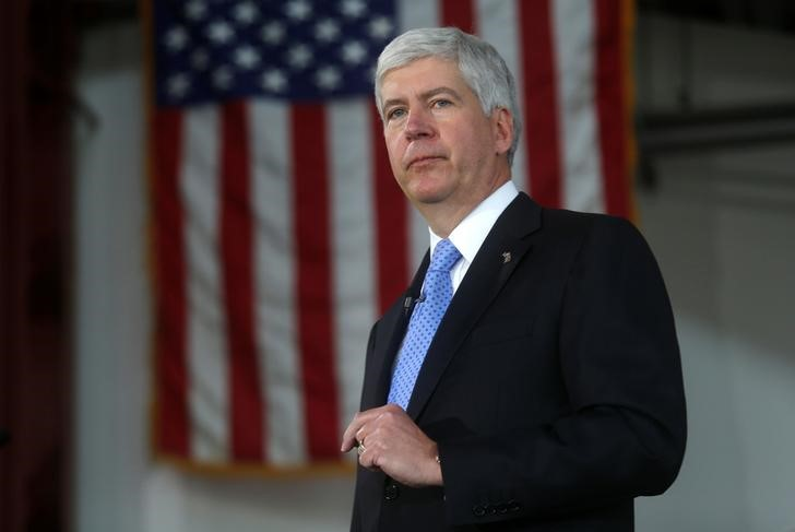 © Reuters. Michigan Governor Rick Snyder at a bill signing event in Detroit
