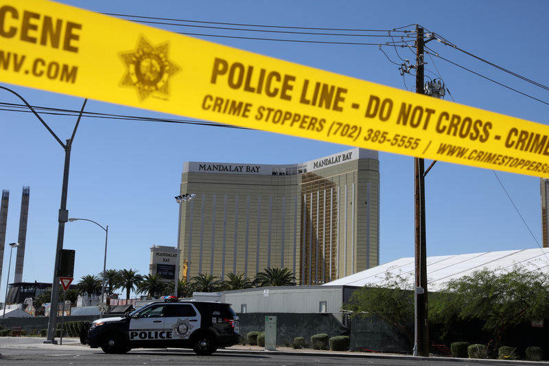 © Reuters. The site of the Route 91 music festival mass shooting is seen outside the Mandalay Bay Resort and Casino in Las Vegas