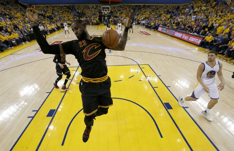 © Reuters. NBA: Finals-Cleveland Cavaliers at Golden State Warriors