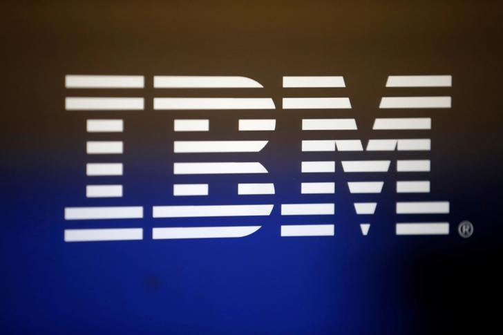 © Reuters. FILE PHOTO: The logo of Dow Jones Industrial Average stock market index listed company IBM (IBM) is seen in Los Angeles