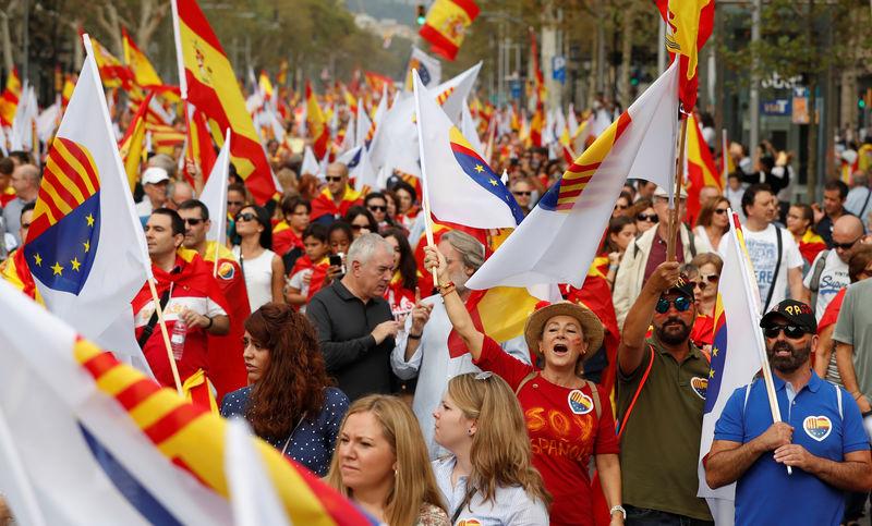 Испания отстранит правительство Каталонии от власти, проведёт выборы