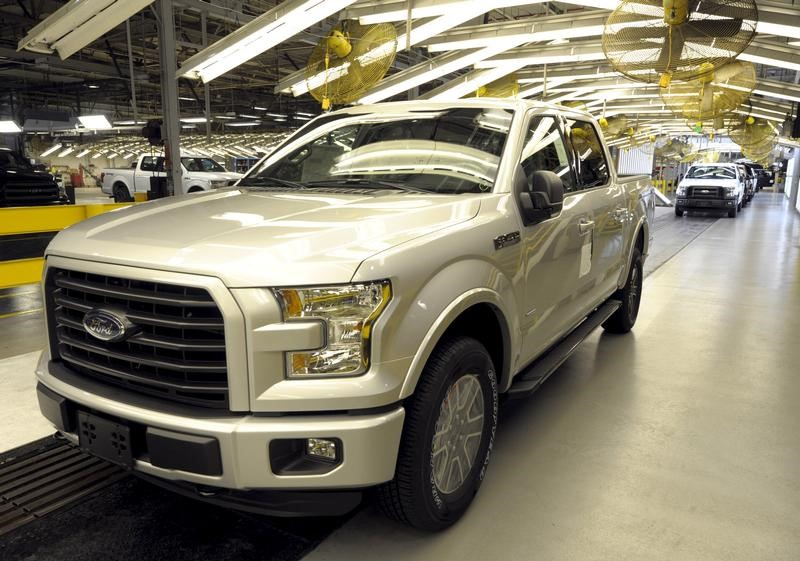 © Reuters. Finished Ford F150 at Ford's plant where new aluminum intensive Ford F-Series pickups are built in Claycomo Missouri