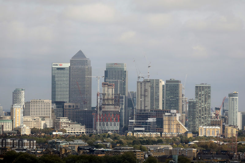 © Reuters. General view of Canary Wharf financial district in London