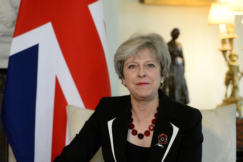 © Reuters. Britain's Prime Minister Theresa May meets Israel's Prime Minister Benjamin Netanyahu in 10 Downing Street, London