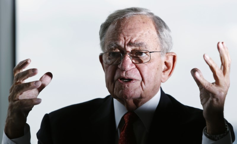 © Reuters. CME group's Chairman Emeritus Leo Melamed speaks during an interview with Reuters in Tokyo