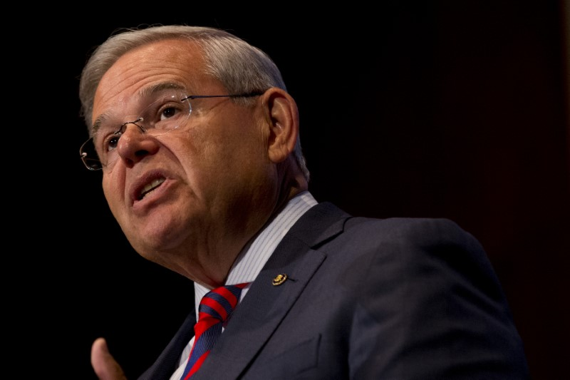 © Reuters. FILE PHOTO: U.S. Senator Bob Menendez speaks at Seton Hall University in South Orange, New Jersey