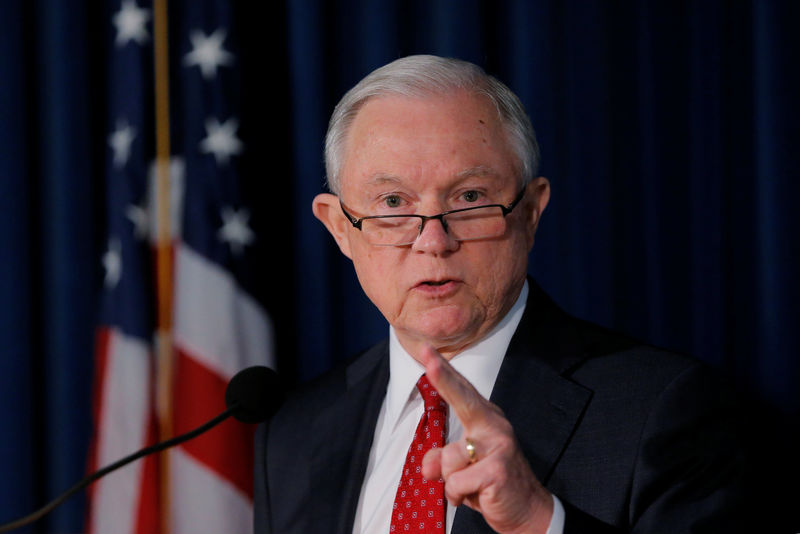 © Reuters. U.S. Attorney General Jeff Sessions makes a statement regarding national security in New York
