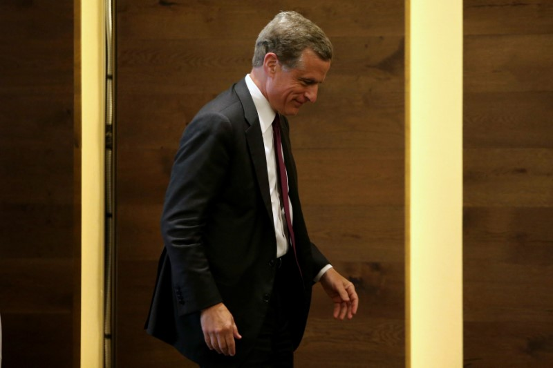 © Reuters. Dallas Federal Reserve Bank President Robert Kaplan walks after the True Economic Talks event in Mexico City