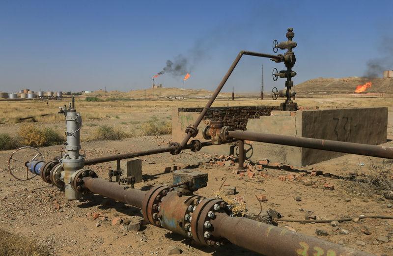 © Reuters. Нефтяное месторождение в Киркуке, Ирак