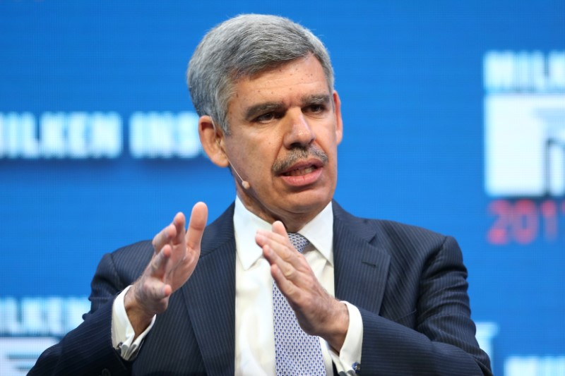 © Reuters. Mohamed El-Erian, Chief Economic Advisor of Allianz and Former Chairman of President Obama's Global Development Council, speaks during the Milken Institute Global Conference in Beverly Hills