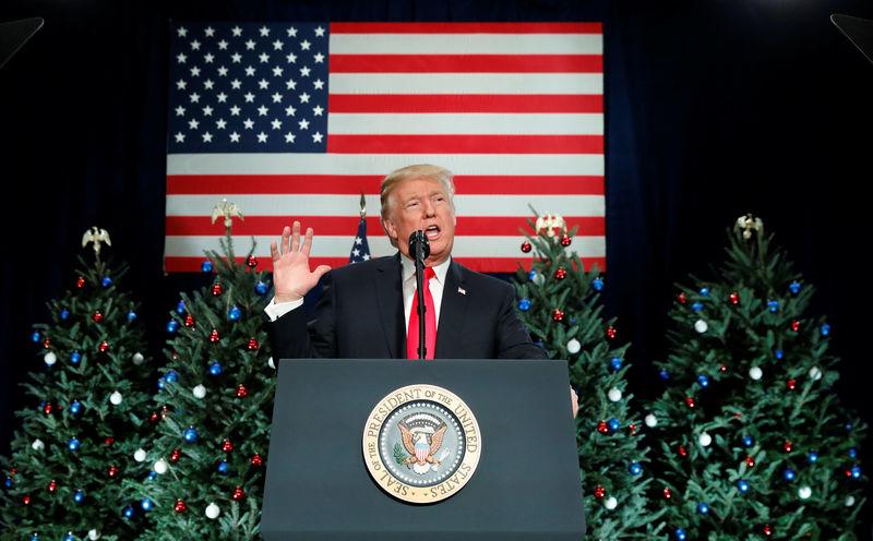 © Reuters. U.S. President Donald visits St. Louis, Missouri to speak about tax reform