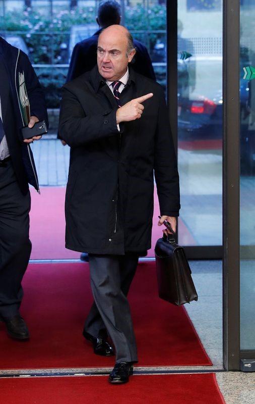 © Reuters. España coloca 4.100 millones de euros en deuda a tipos más bajos
