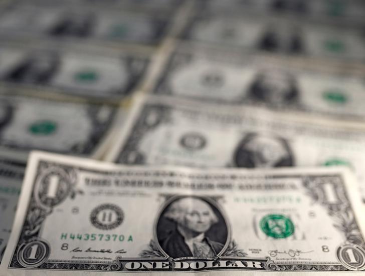© Reuters. Notas de dólar em ilustração