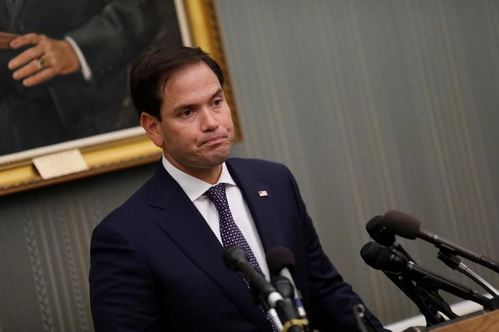 © Reuters. Sen. Marco Rubio (R-FL) speaks at a press conference about the ongoing relief efforts in Puerto Rico following Hurricane Maria at the Capitol Building in Washington