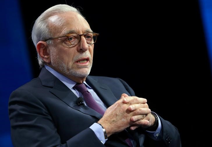 © Reuters. FILE PHOTO - Nelson Peltz founding partner of Trade Fund Management LP. speak at the WSJD Live conference in Laguna Beach, California