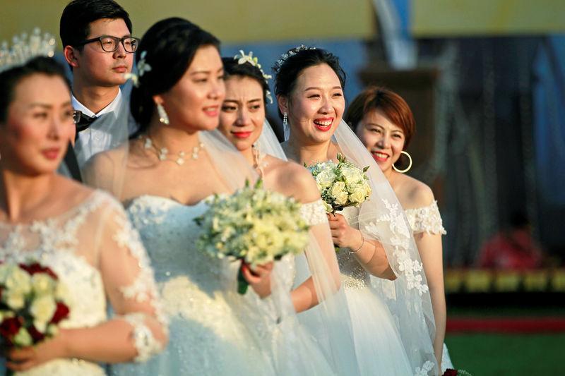 chinese ameri conways husband - HD3500×2334