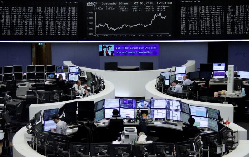 © Reuters. أسهم أوروبا ترتفع صباحا بدعم قطاعي السيارات والنفط