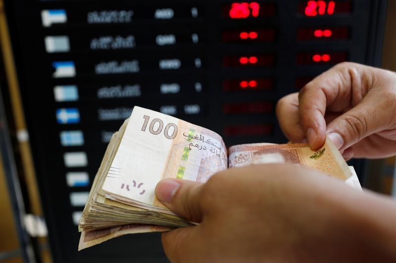 © Reuters. مصادر: المغرب يبدأ تطبيق نظام مرن لسعر صرف الدرهم يوم الاثنين