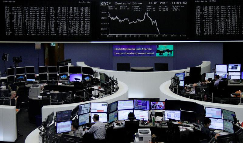 © Reuters. المؤشر القياسي للأسهم البريطانية يغلق عند مستوى قياسي مرتفع