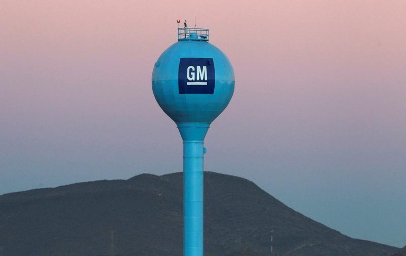 © Reuters. GM acelera en la carrera para fabricar coches eléctricos rentables