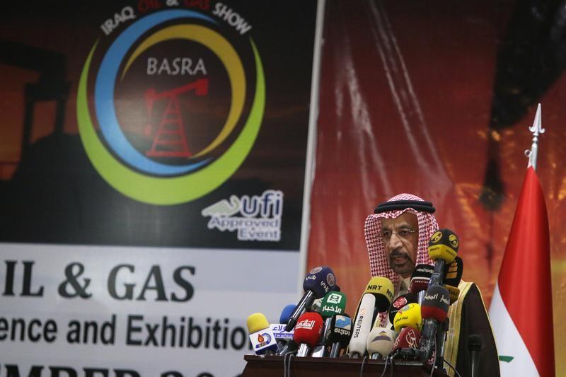 Arabia Saudí plantea prolongar los recortes coordinados de oferta de crudo
