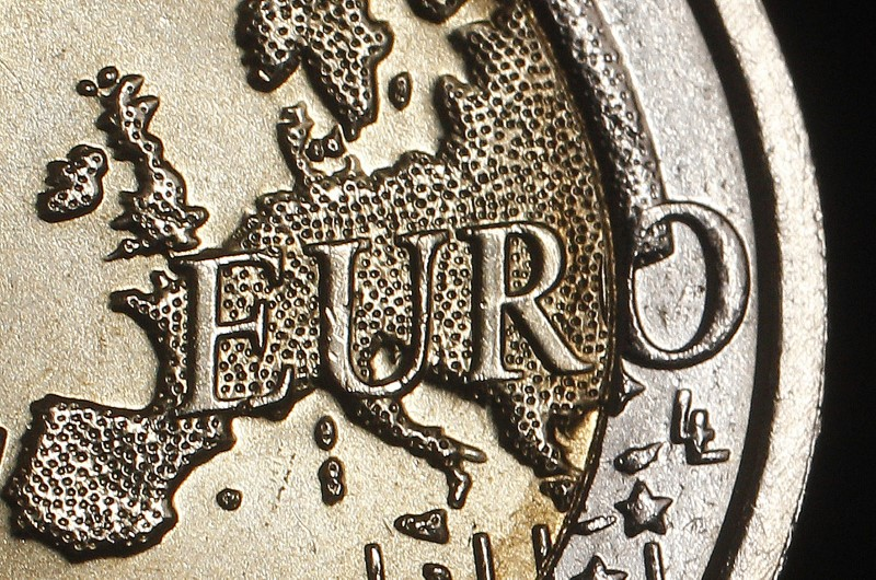 EU Commission proposes lower fees for cross-border bank transfers
