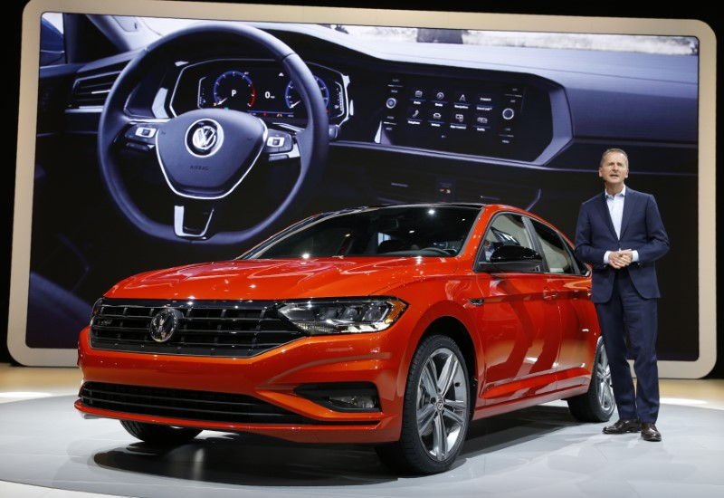 © Reuters. VW's Diess introduces 2019 Jetta at the North American International Auto Show in Detroit