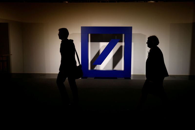 © Reuters. FILE PHOTO: The logo of Deutsche Bank is seen at its headquarters ahead of the bank's annual general meeting in Frankfurt