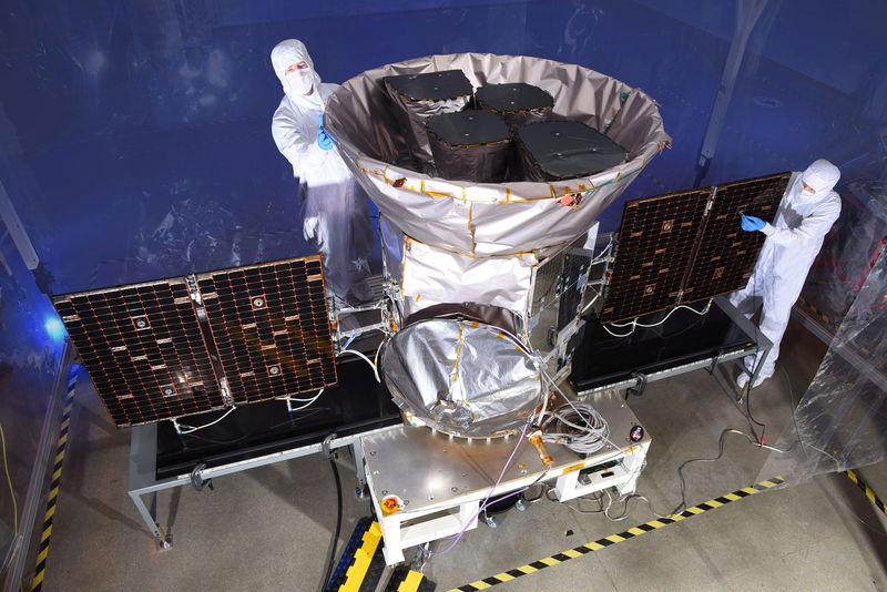 © Reuters. NASA handout photo of TESS, the Transiting Exoplanet Survey Satellite