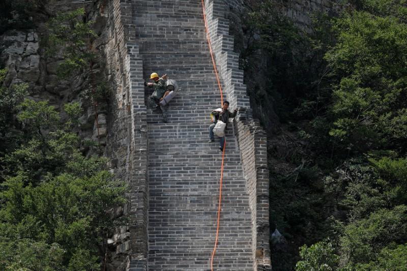 © Reuters. El crecimiento económico de China supera las expectativas en primer trimestre