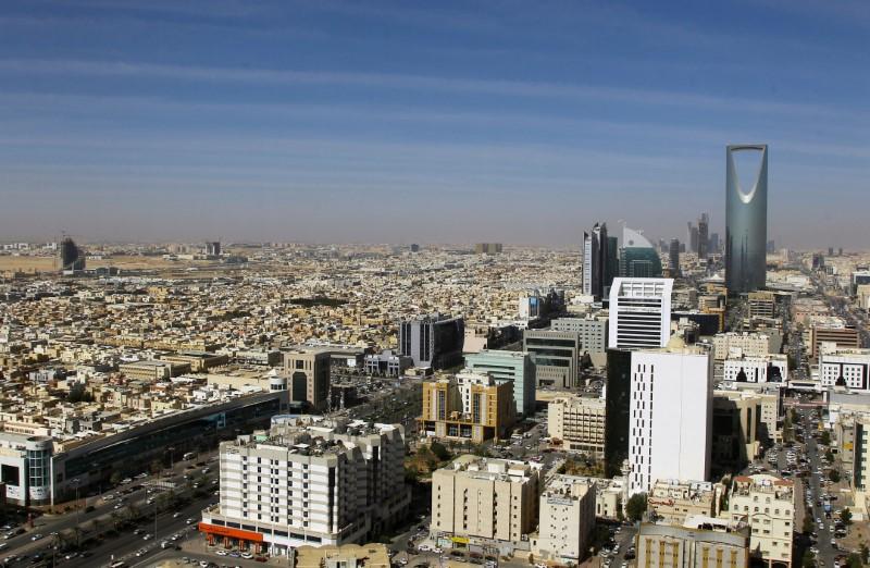 © Reuters. تلفزيون العربية: السعودية تعترض صاروخا باليستيا في سماء الرياض