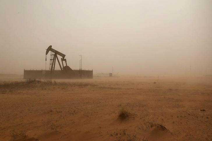 © Reuters. Станок-качалка в Мидленде, штат Техас