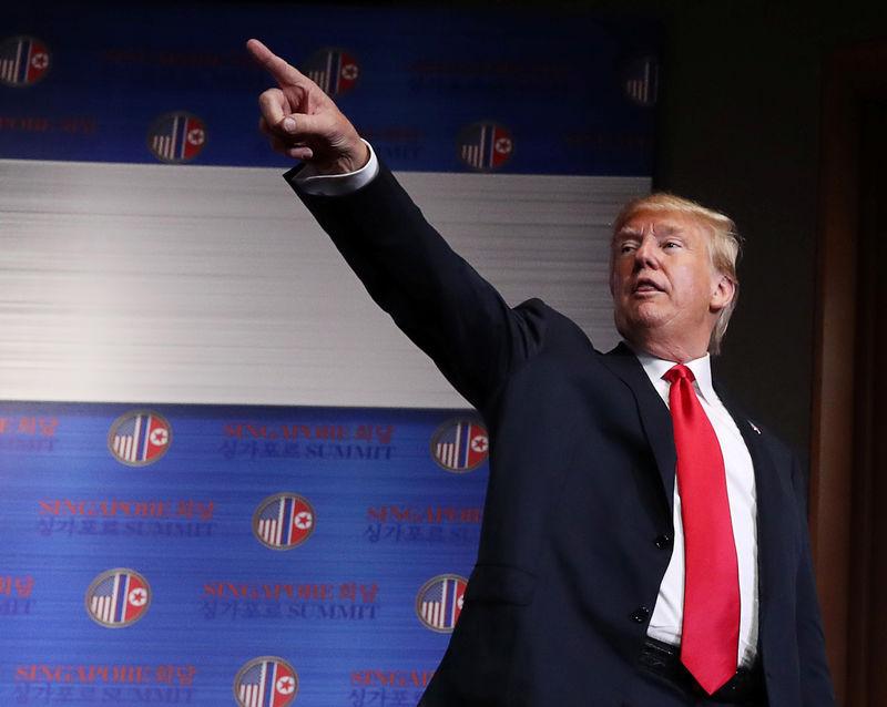 © Reuters. Trump durante entrevista em Cingapura