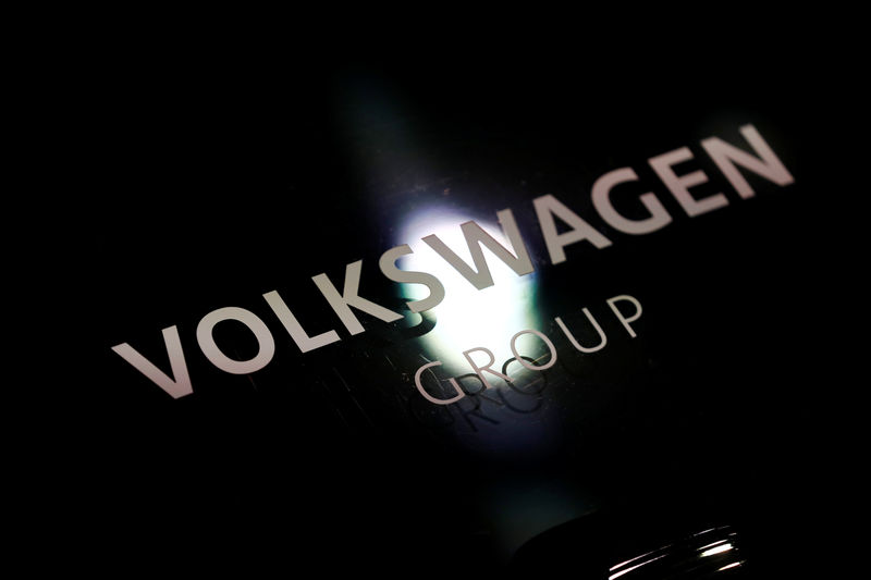 © Reuters. FILE PHOTO: Volkswagen sign is seen during the annual earnings news conference of VW in Berlin in Berlin