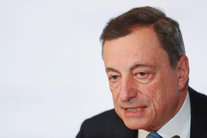© Reuters. El BCE debe ser paciente y gradual con su estrategia de alza de tipos