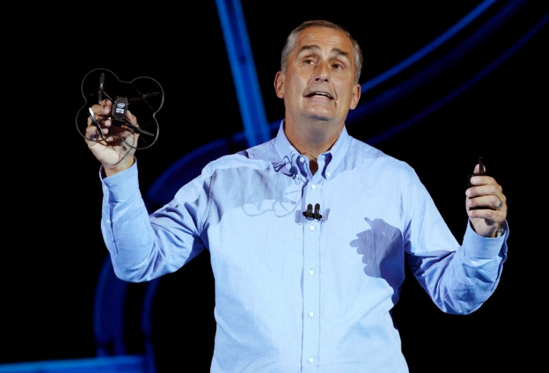 © Reuters. FILE PHOTO - Brian Krzanich, Intel CEO, holds up Intel's newest drone, the Shooting Star Mini as he speaks at the Intel Keynote address at CES in Las Vegas