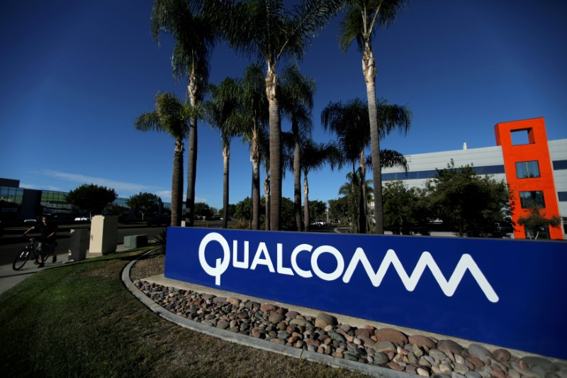 © Reuters. FILE PHOTO: A sign on the Qualcomm campus is seen in San Diego