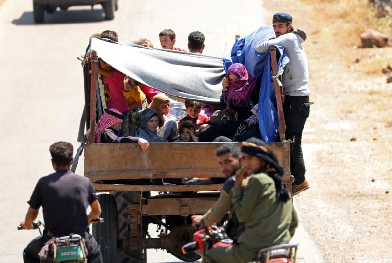 © Reuters. Moradores de Deraa deixam região devido a aumento da violência