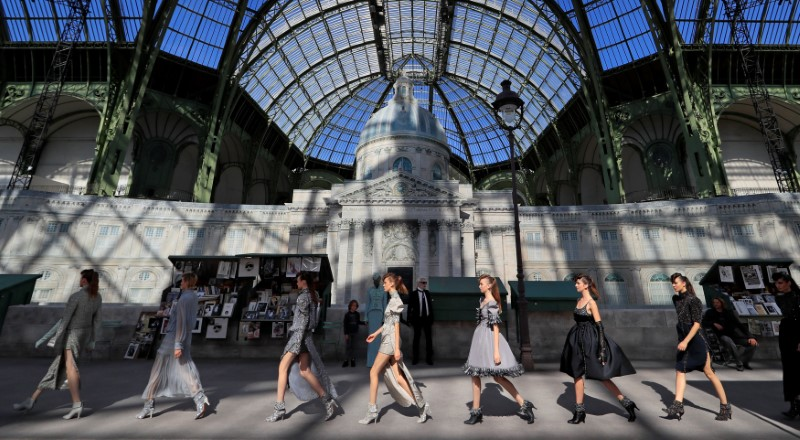 © Reuters. Desfile da Chanel em Paris