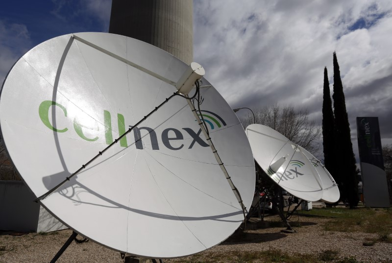 © Reuters. El holding italiano Edizione compra el 29,9 pct de Cellnex por 1.489 mln eur