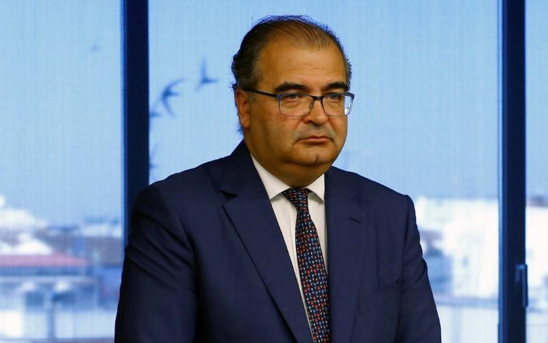 © Reuters. Popular recibió una oferta de 5.500 mln eur antes de ser rescatado- ex presidente Ron