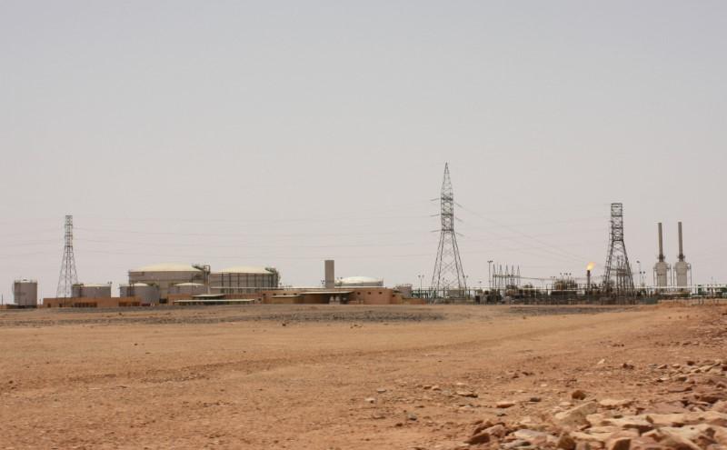 © Reuters. Campo petrolífero El Feel, perto de Murzuq, na Líbia