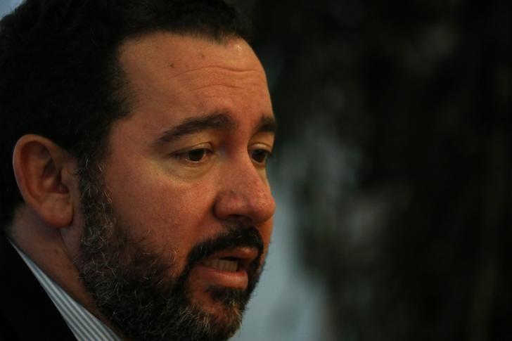 © Reuters. Presidente do BNDES, Dyogo Olibveira, durante entrevista no Rio de Janeiro
