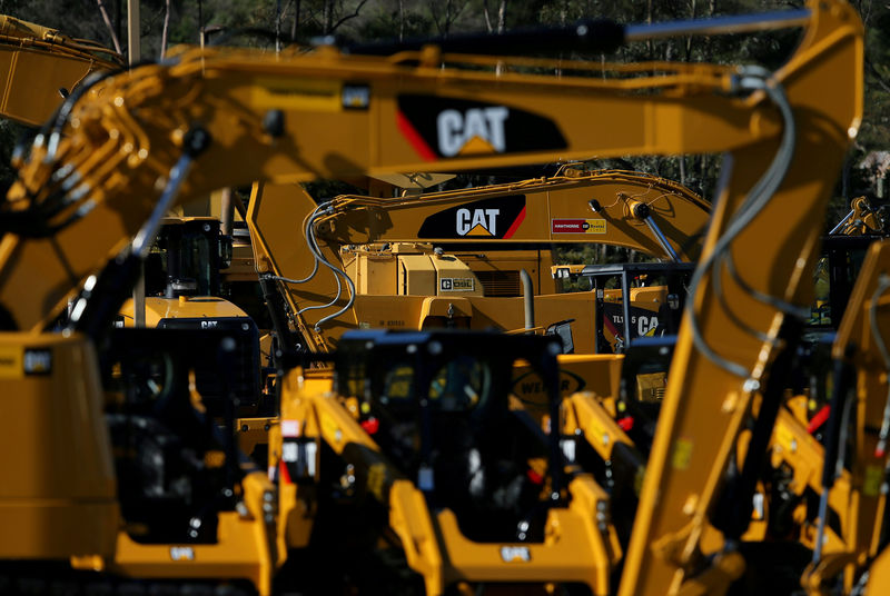© Reuters. FILE PHOTO: Caterpillar equipment at a retail site in San Diego California