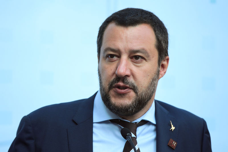 © Reuters. Il vice premier e ministro dell'Interno Matteo Salvini