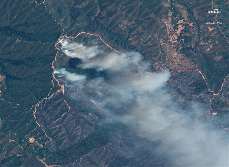 © Reuters. A satellite image shows the River fire at the Mendocino Complex wildfire in California