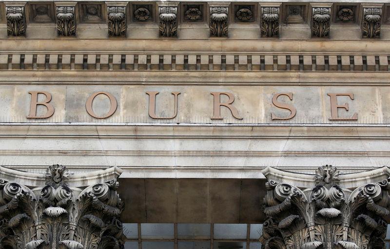 © Reuters. LES BOURSES EUROPÉENNES OUVRENT EN BAISSE