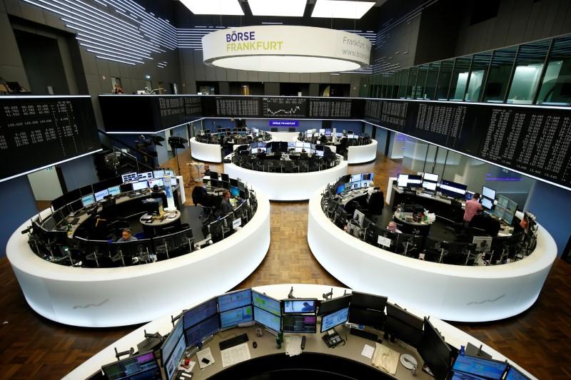 © Reuters. أسهم أوروبا تهبط مع تضرر البنوك من الإضطرابات المالية في تركيا